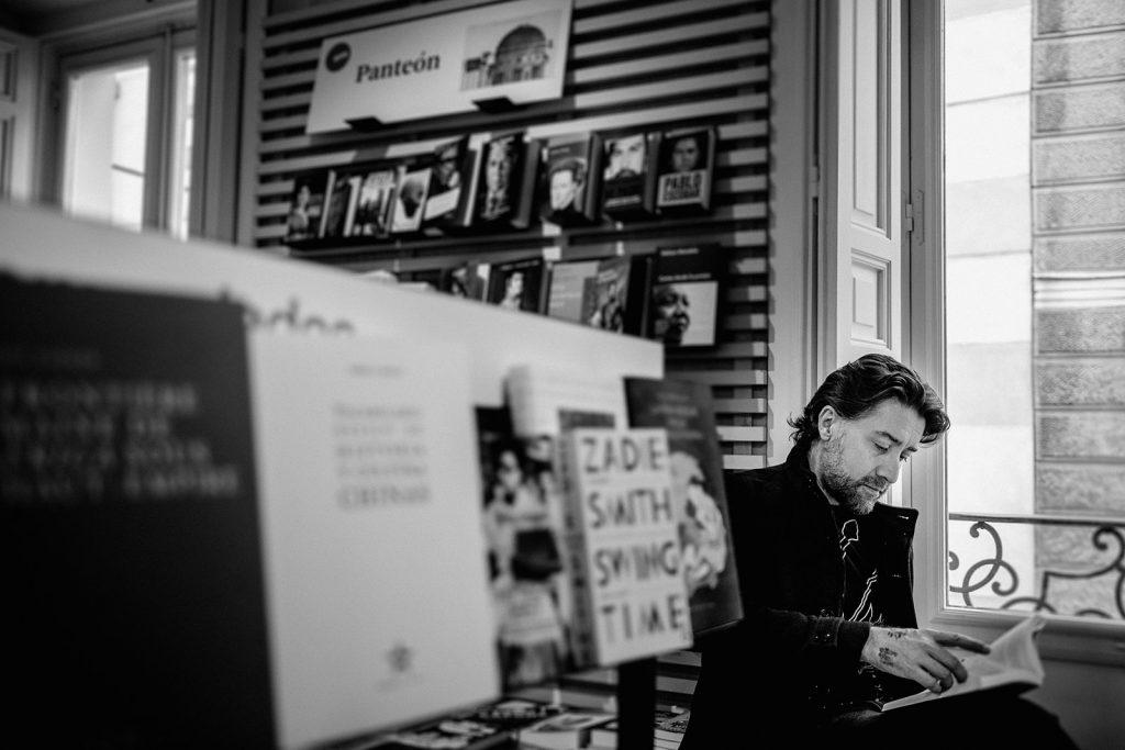 Pala gana premio Poesía Medellín